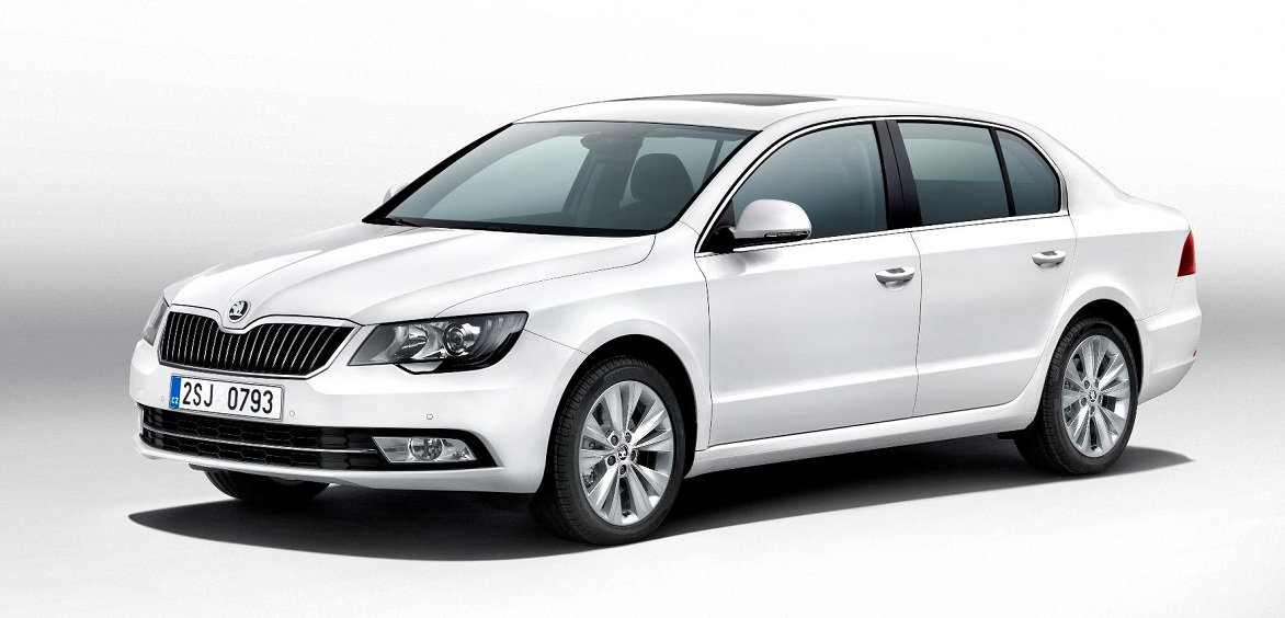 New ŠKODA Superb 2013 (1).jpg
